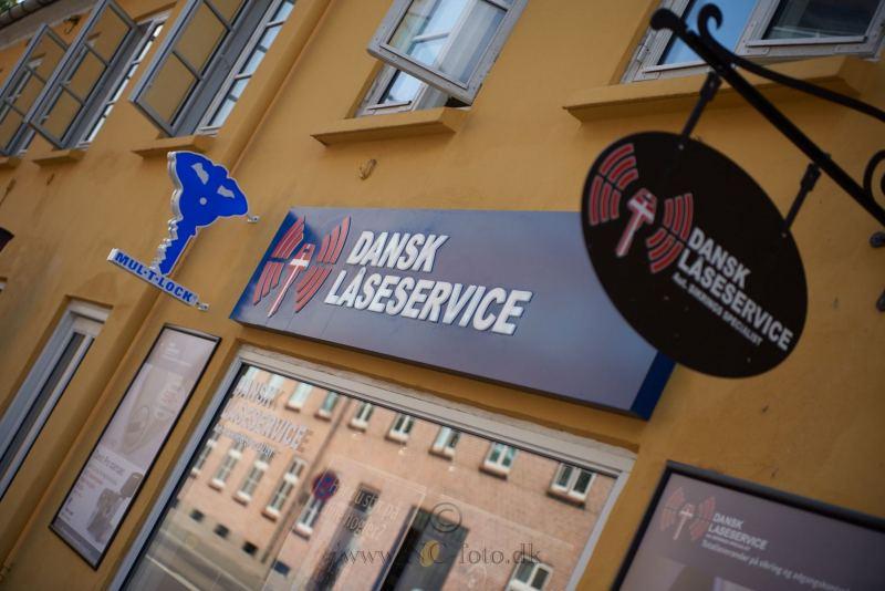 Dansk-Laaseservice